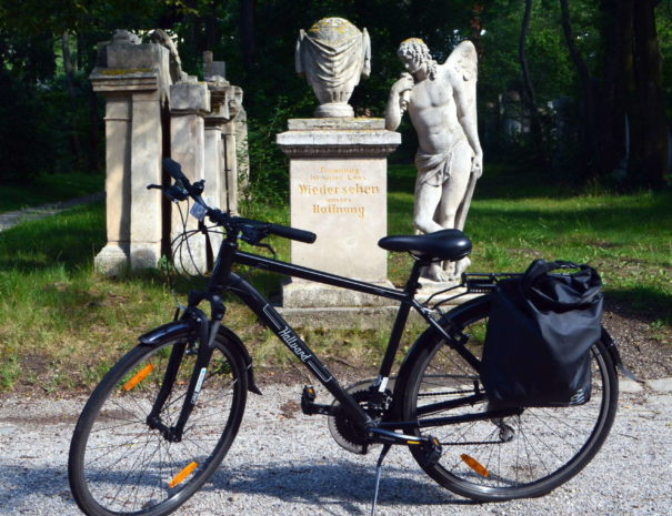 St.Marx Friedhof mit Rad