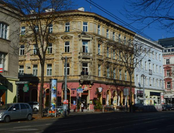 Spaziergang auf der äussere Mariahilferstraße in Wien