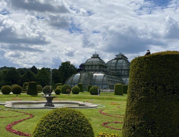 Schlosspark Schönbrunn Wien auf der Tour / Führung mit den City Guides von Austria Guides von Future